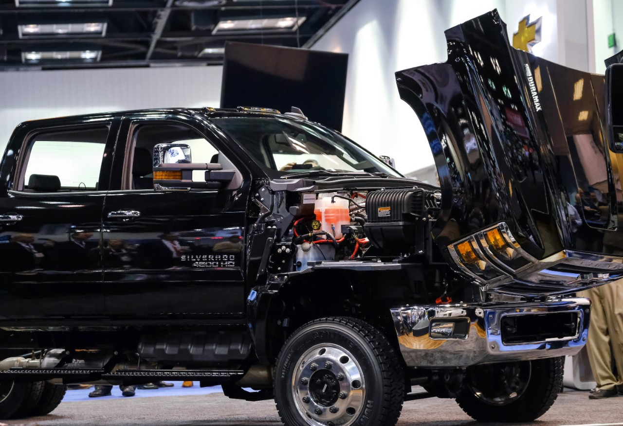 Chevrolet Debuts All-New Silverado 4500HD, 5500HD, and 6500HD Trucks - The News Wheel