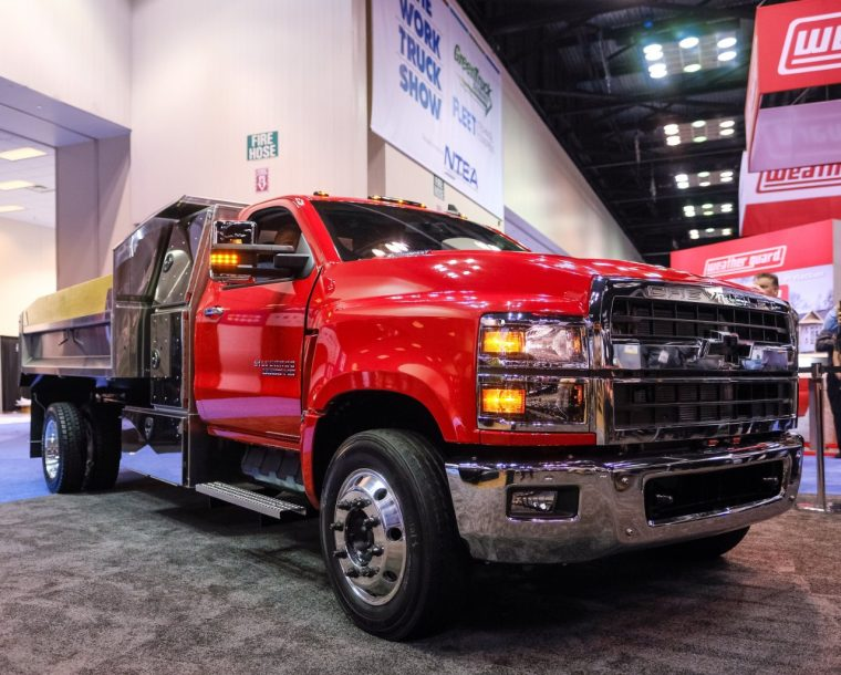 Chevy 5500 Hd >> Chevrolet Debuts All New Silverado 4500hd 5500hd And 6500hd Trucks