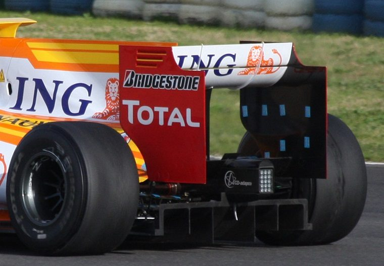 Renault R29 Rear Wing