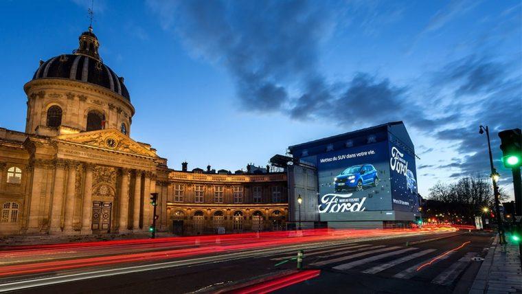 Quai de Conti Ford EcoSport display