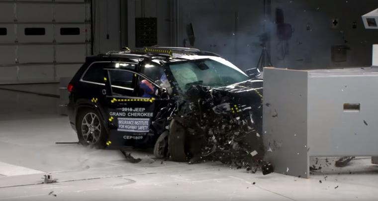 IIHS crash test of 2018 Jeep Grand Cherokee