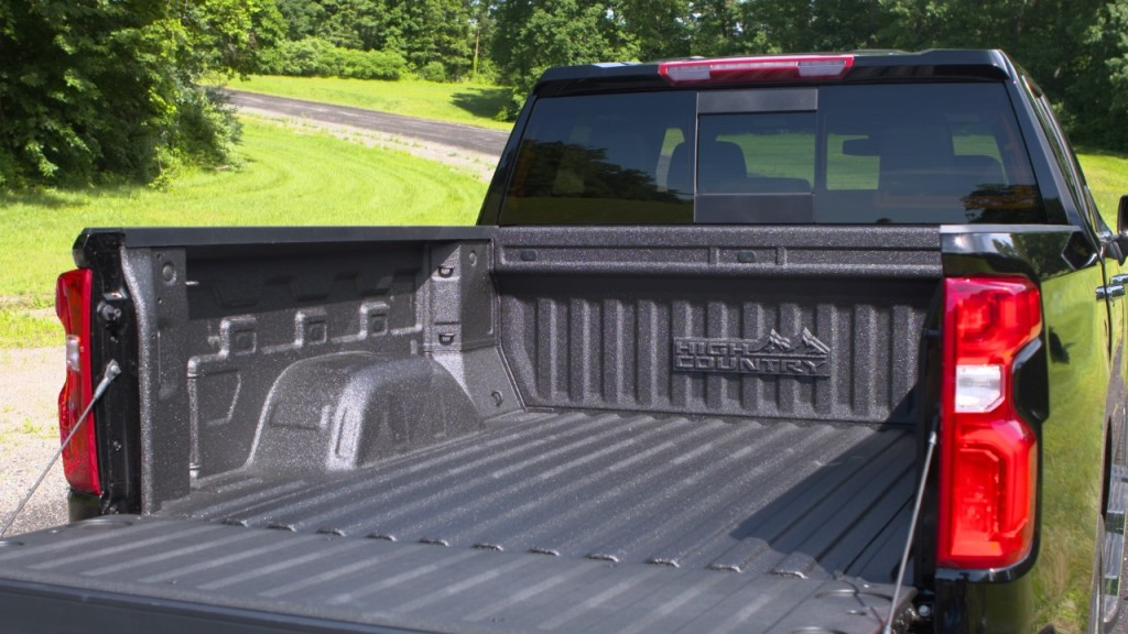 2019 Silverado 1500 Bed Gets Several Upgrades, New Weird ...