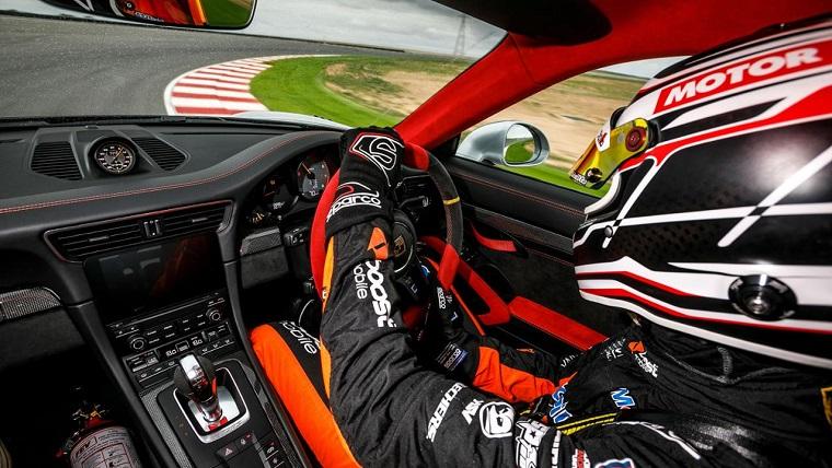 Porsche 911 GT2 RS at The Bend