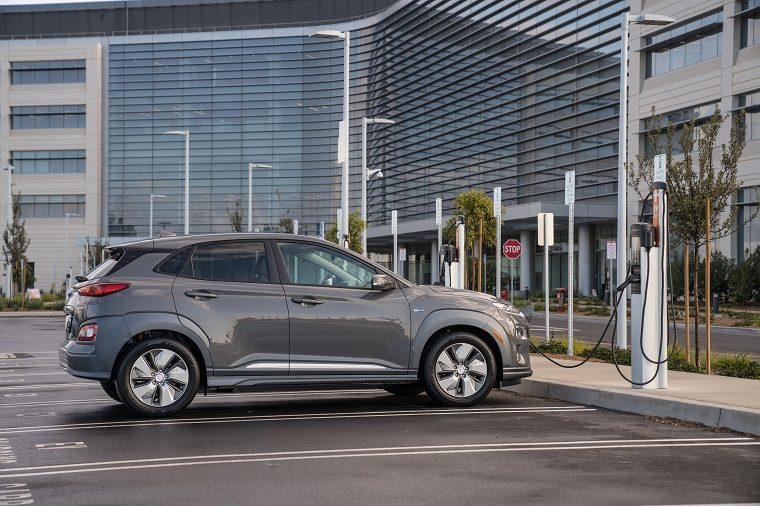 2019 Hyundai Kona Electric Boasts 258 Mile Range Beats Chevy Bolt
