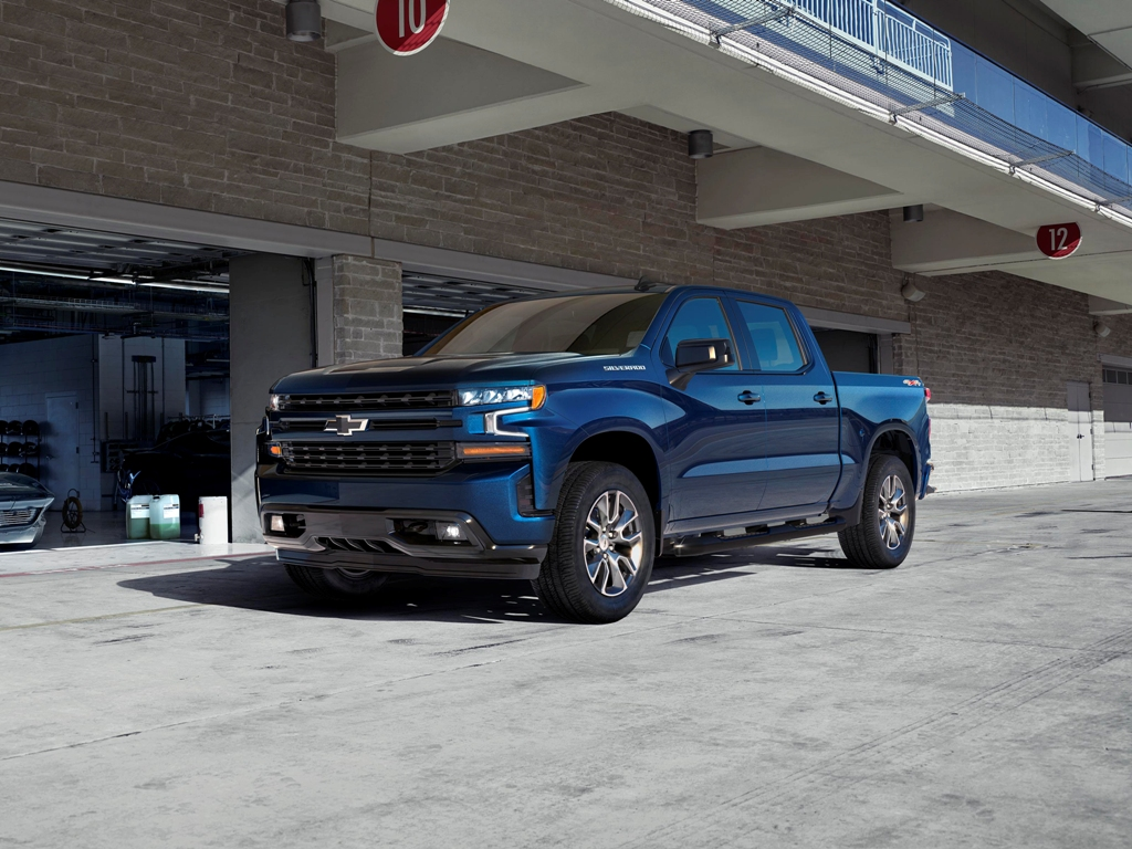 Chevy Announces Turbo-Four Silverado MPG, Talks Smack ...