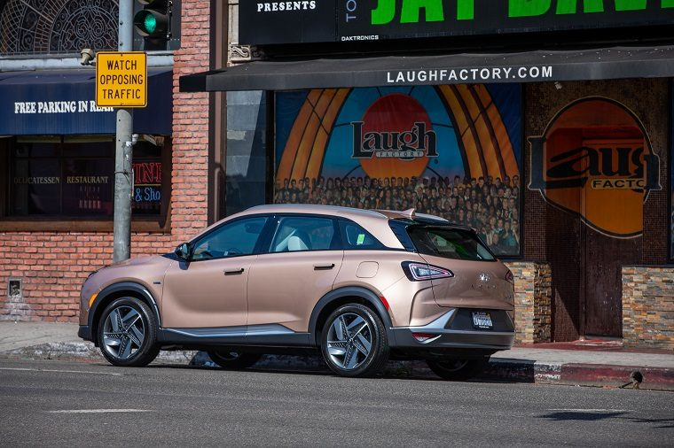 2019 Hyundai Nexo fuel cell SUV features and performance
