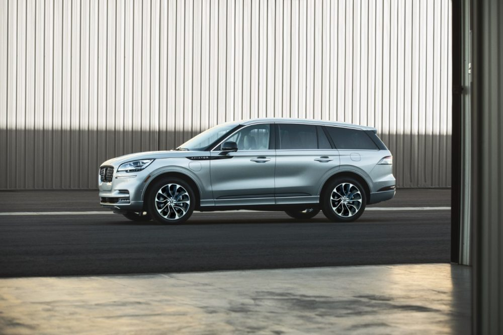 2020 Lincoln Aviator Signature | Ford, Lincoln offer usage-based insurance