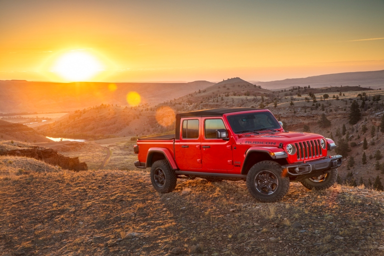 [PHOTOS] The 2020 Jeep Gladiator Officially Enters the Mid ...