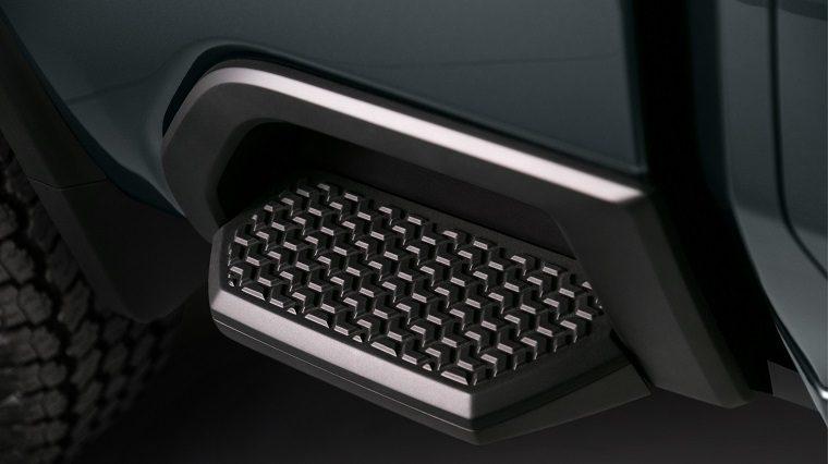 2020 Chevrolet Silverado HD BedStep feature