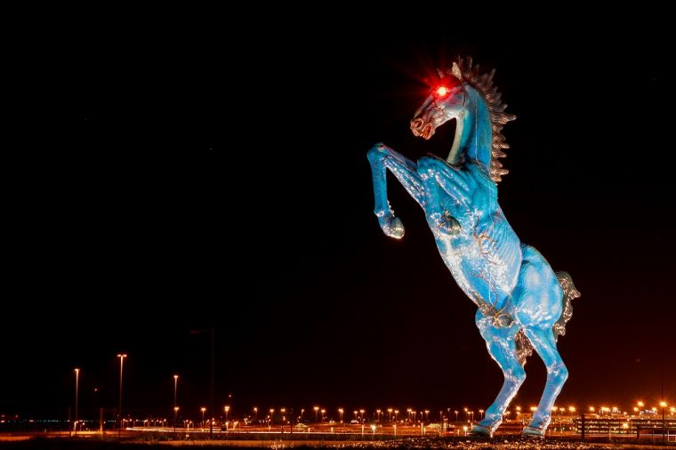 blucifer blue mustang statue colorado denver international airport