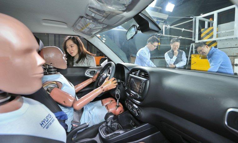Hyundai multi-collision airbag technology
