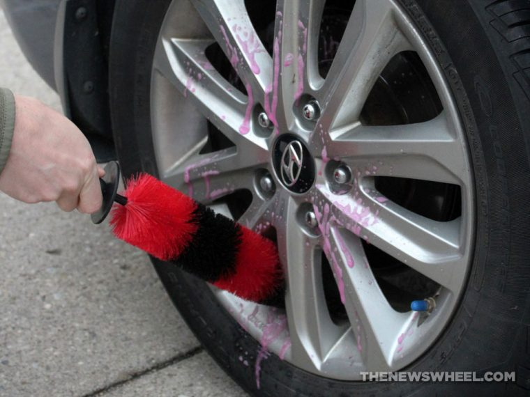 wash car wheels scrub clean tires tips proper way brush