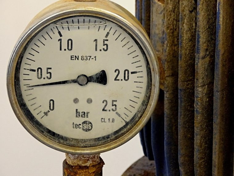 water pressure gauge old rusted