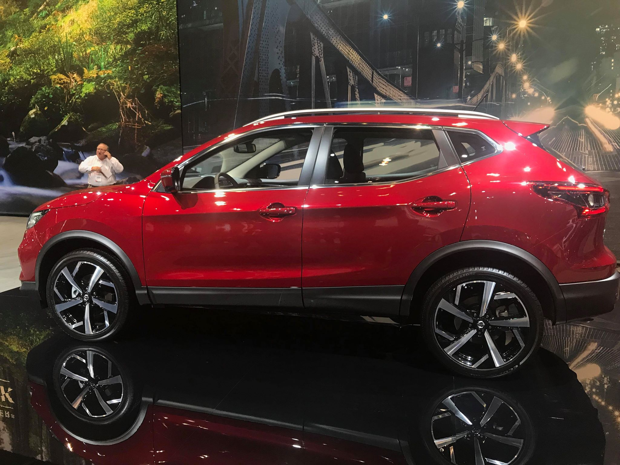 2020 nissan rogue sport makes appearance at 2019 chicago auto show the news wheel. Black Bedroom Furniture Sets. Home Design Ideas