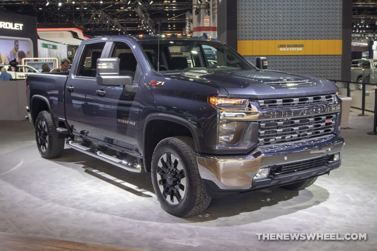 All-New Mirrors on 2020 Chevy Silverado HD Offer Towing Benefits - The News Wheel