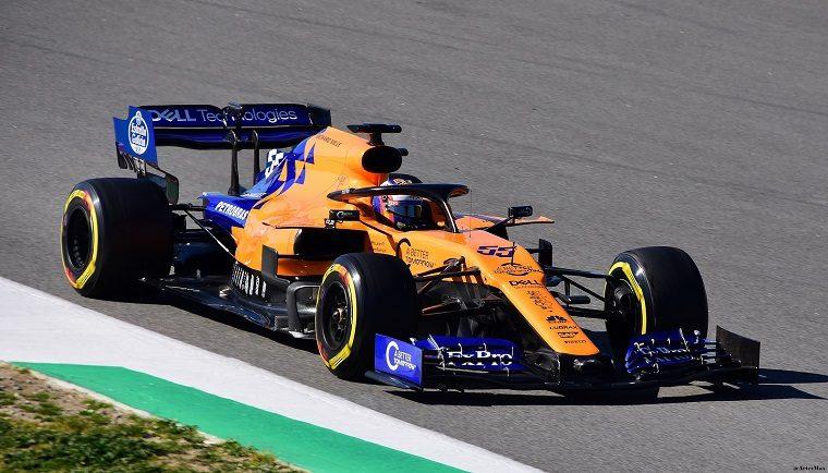 Carlos Sainz Jr in the McLaren MCL34