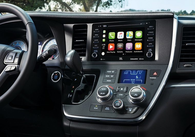 2019 Toyota Sienna SE Dashboard