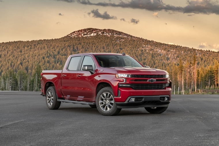 2020 Chevy Silverado Earns 33 MPG on the Highway with New ...