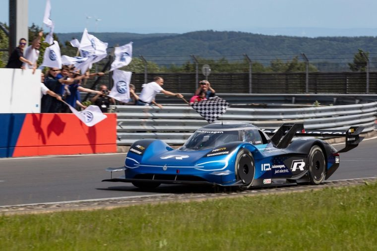 Volkswagen ID.R Sets New Electric Record On The Nurburgring - 01