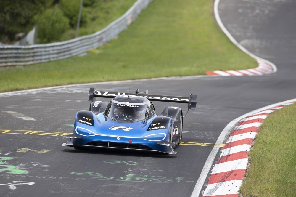 Volkswagen ID.R Sets New Electric Record On The Nurburgring - 03