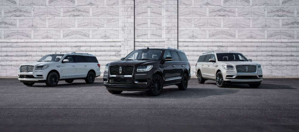 2020 Lincoln Navigator Reserve Monochromatic Package | Esquire Names Lincoln Navigator Best Road Trip Car