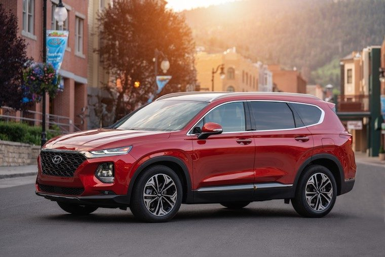 Santa Fe News >> 2019 Hyundai Santa Fe Scores Cars Com Suv Award The News Wheel
