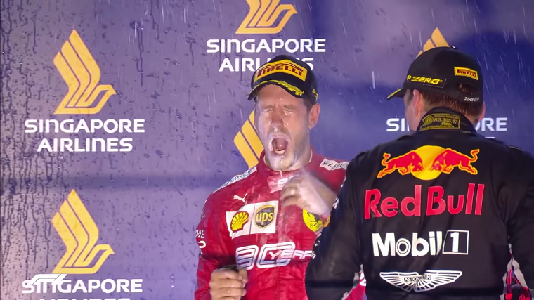 2019 Singapore GP - Vettel Sprayed With Champagne