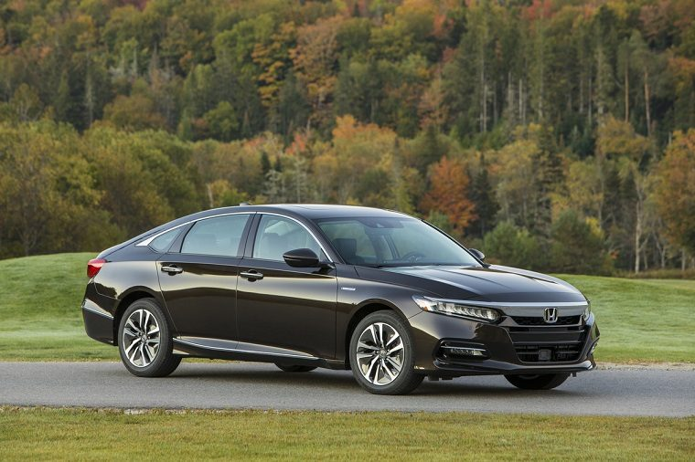 Best Mpg Cars 2020.2020 Honda Accord Hybrid Goes On Sale With 48 Mpg The News