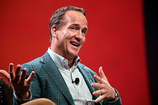 Peyton Manning at a convention Bart Starr