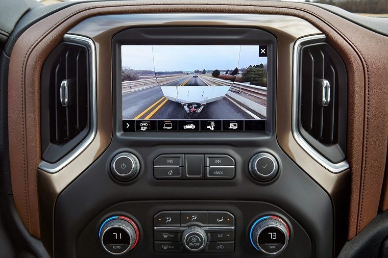 2020 Chevrolet Silverado 2500HD transparent trailer view