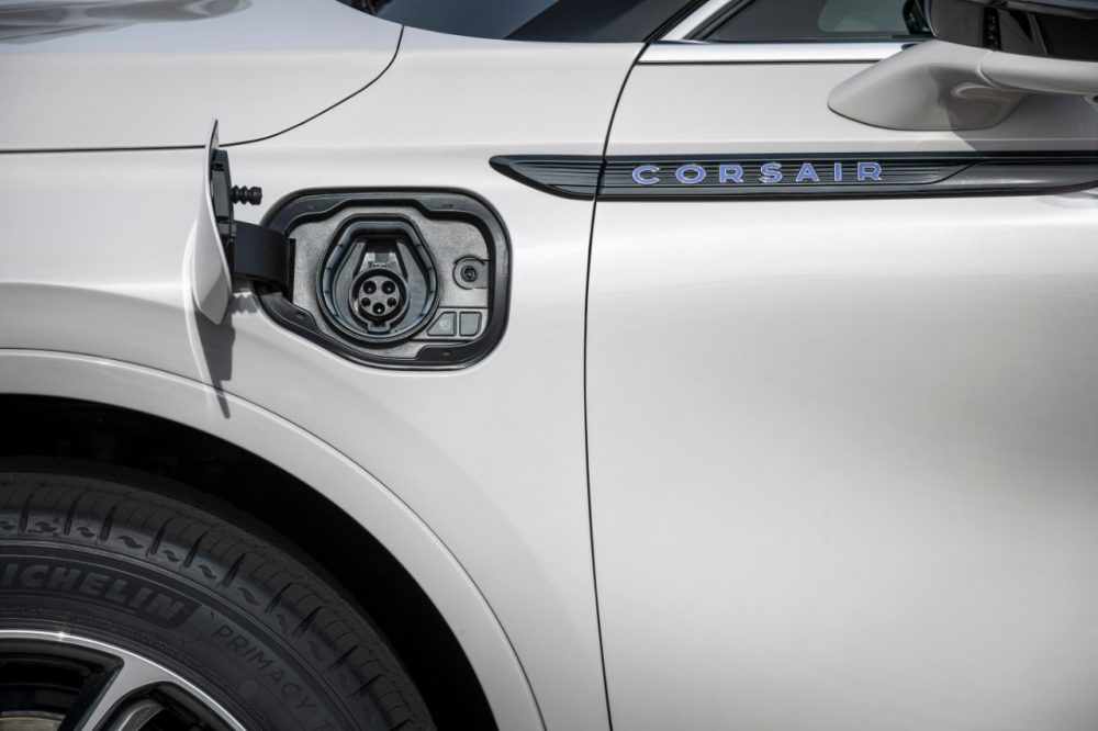 Charge port of Lincoln Corsair Grand Touring in Ceramic Pearl