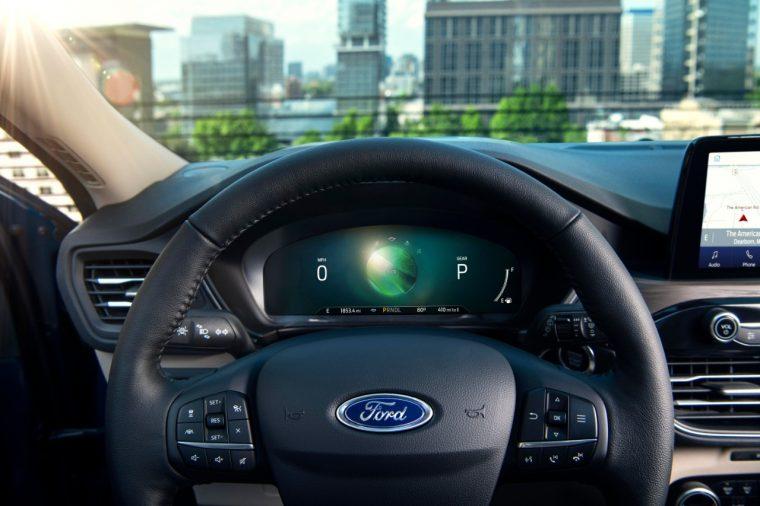 2020 Ford Escape Hybrid Titanium EV coach