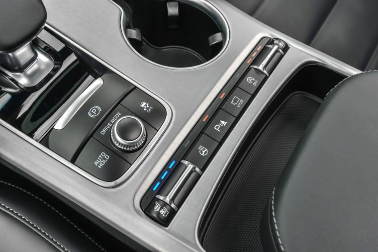 2020 Kia Stinger interior