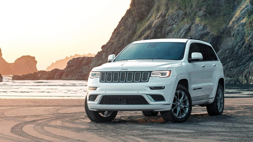 2020 Jeep Grand Cherokee. Jeep will redesign the Grand Cherokee for 2021