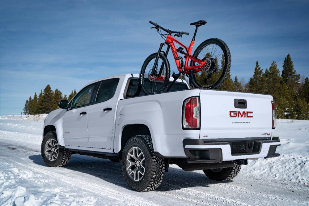 2021 GMC Canyon AT4. Sport Bar and Lighting Package