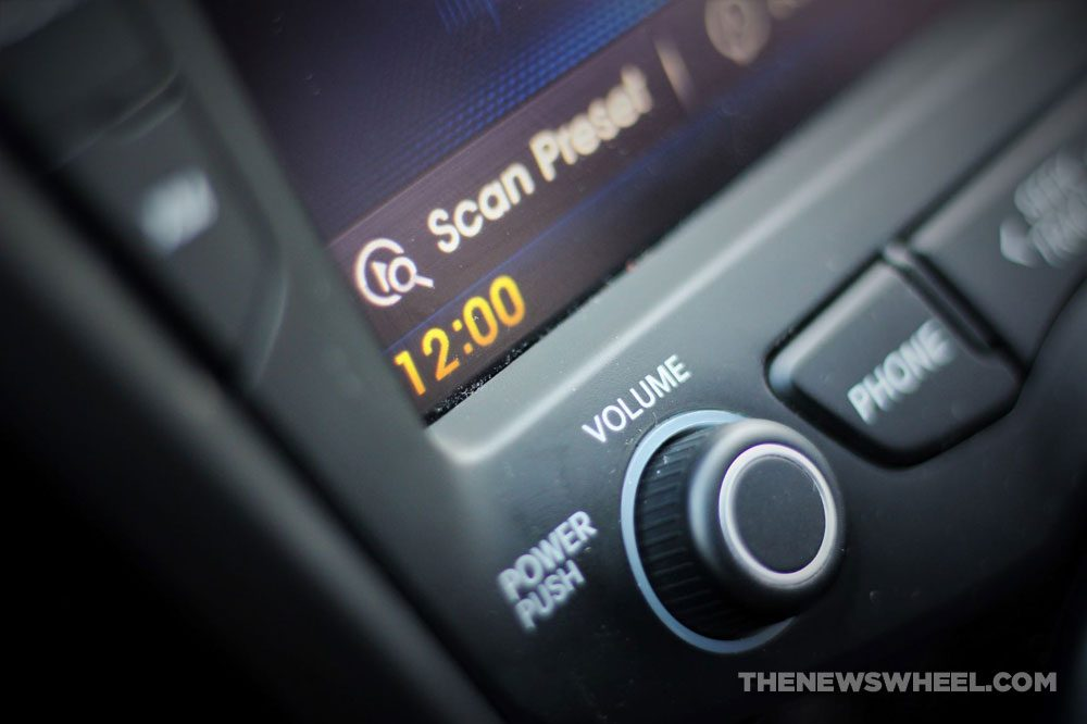car clock time touchscreen