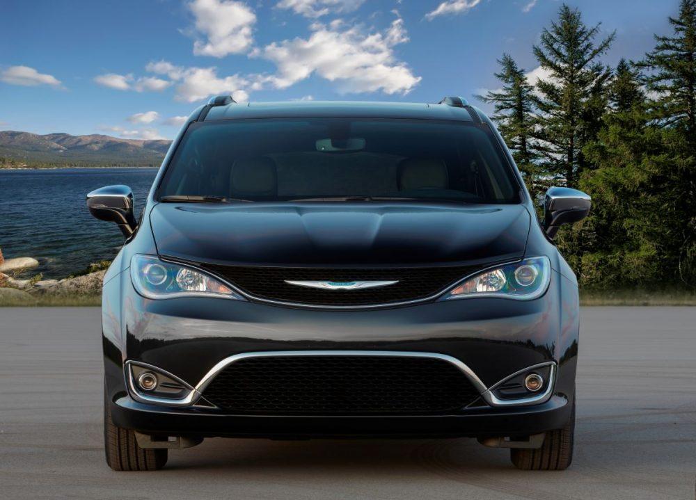 2020 Chrysler Pacifica Hybrid. Chrysler and No Kid Hungry