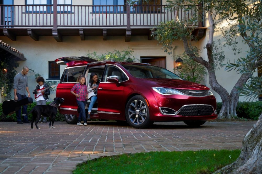 2020 Chrysler Pacifica. Chrysler and No Kid Hungry