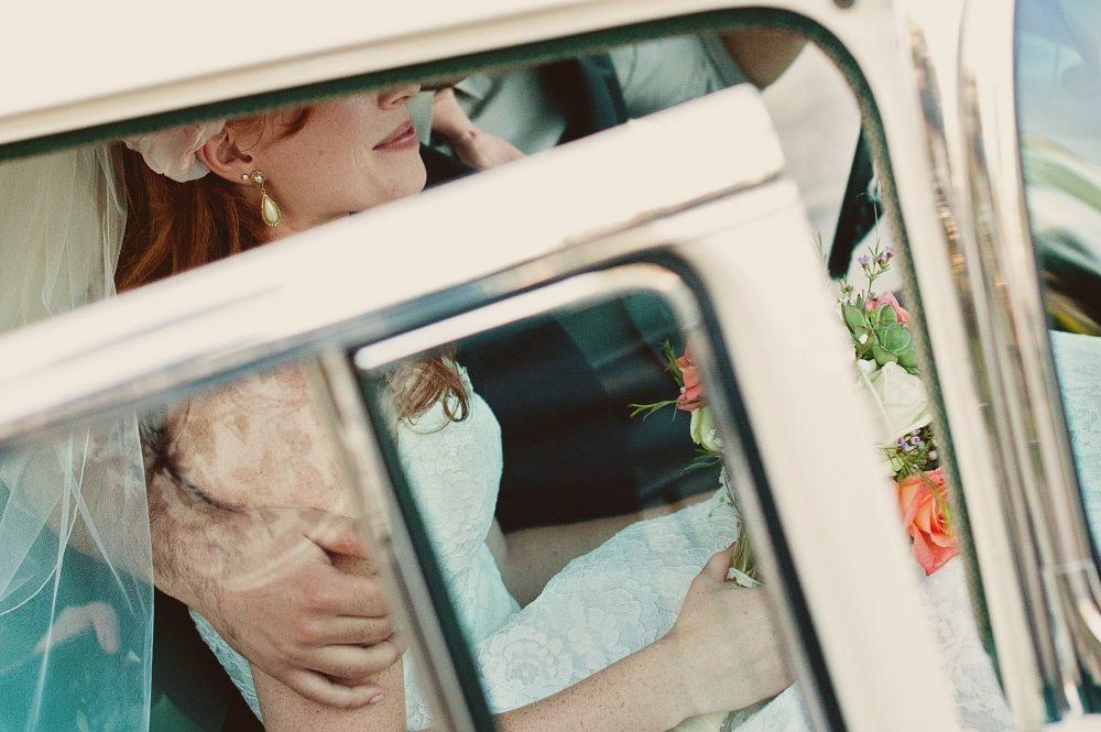 bride wedding car