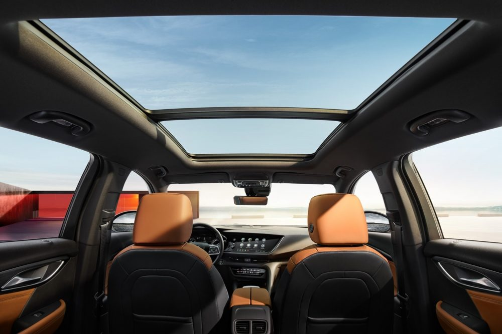 The 2021 Buick Envision Avenir's incredible moonroof