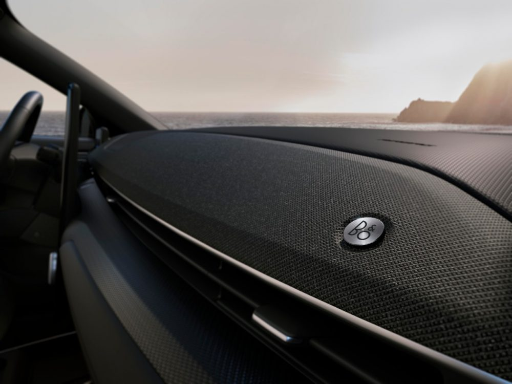 2021 Ford Mustang Mach-E B&O Sound System dash