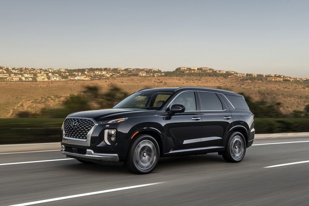 2021 Hyundai Palisade made The 16 Roomiest Midsize SUVs in 2020 list