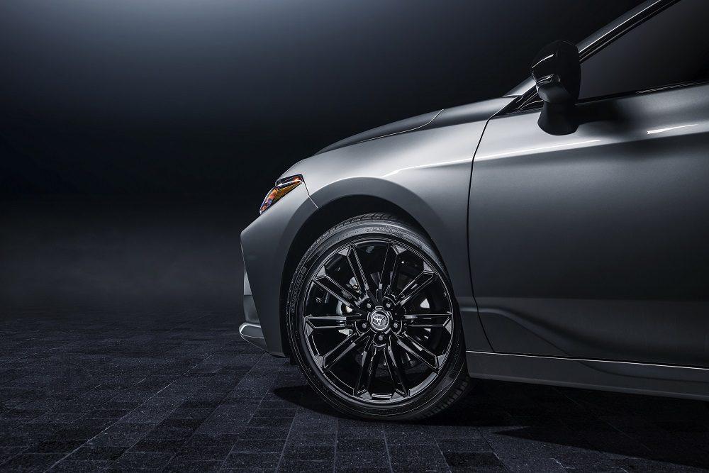 2021 Toyota Avalon XSE Nightshade wheels