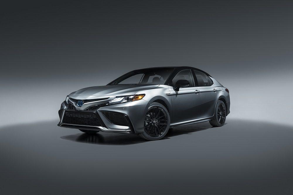 2021 Toyota Camry XSE Hybrid exterior