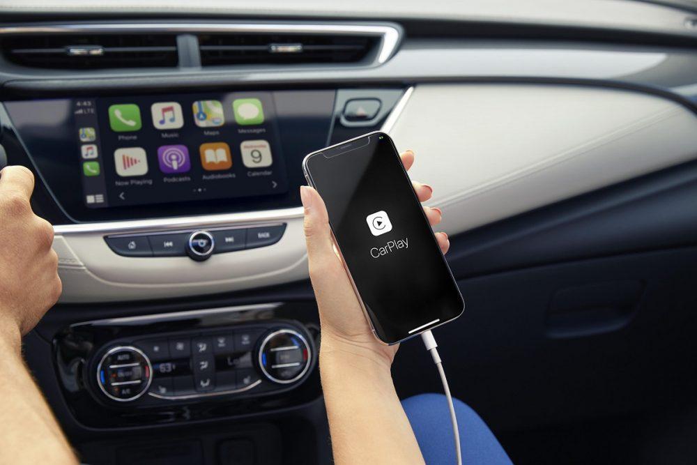 Apple CarPlay on the Buick Encore GX