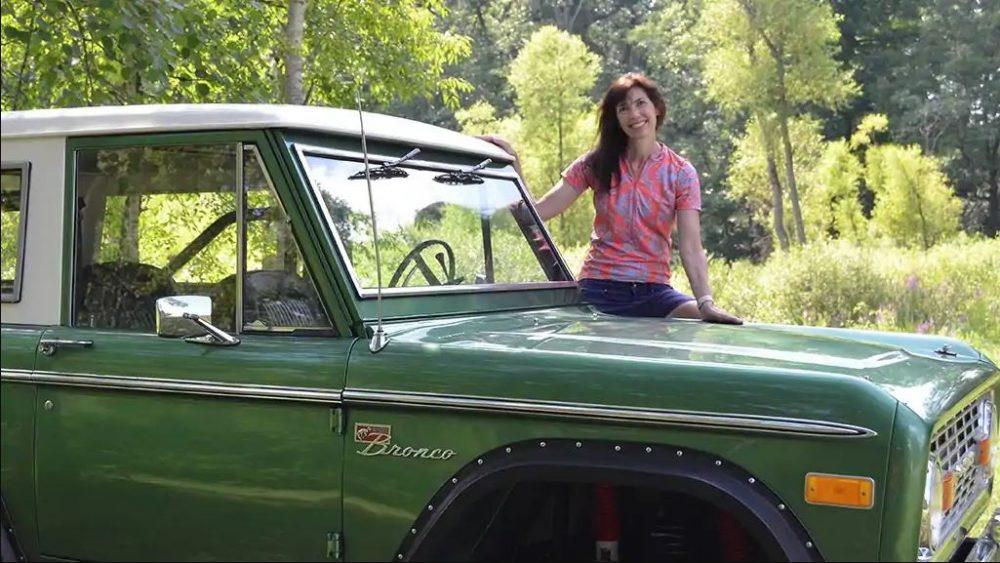 Ford Bronco engineer Colleen Hoffman roasts Chevrolet Blazer