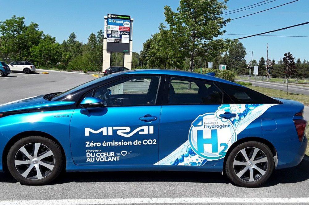 Toyota Mirai loaned to Pharmacy Brunet