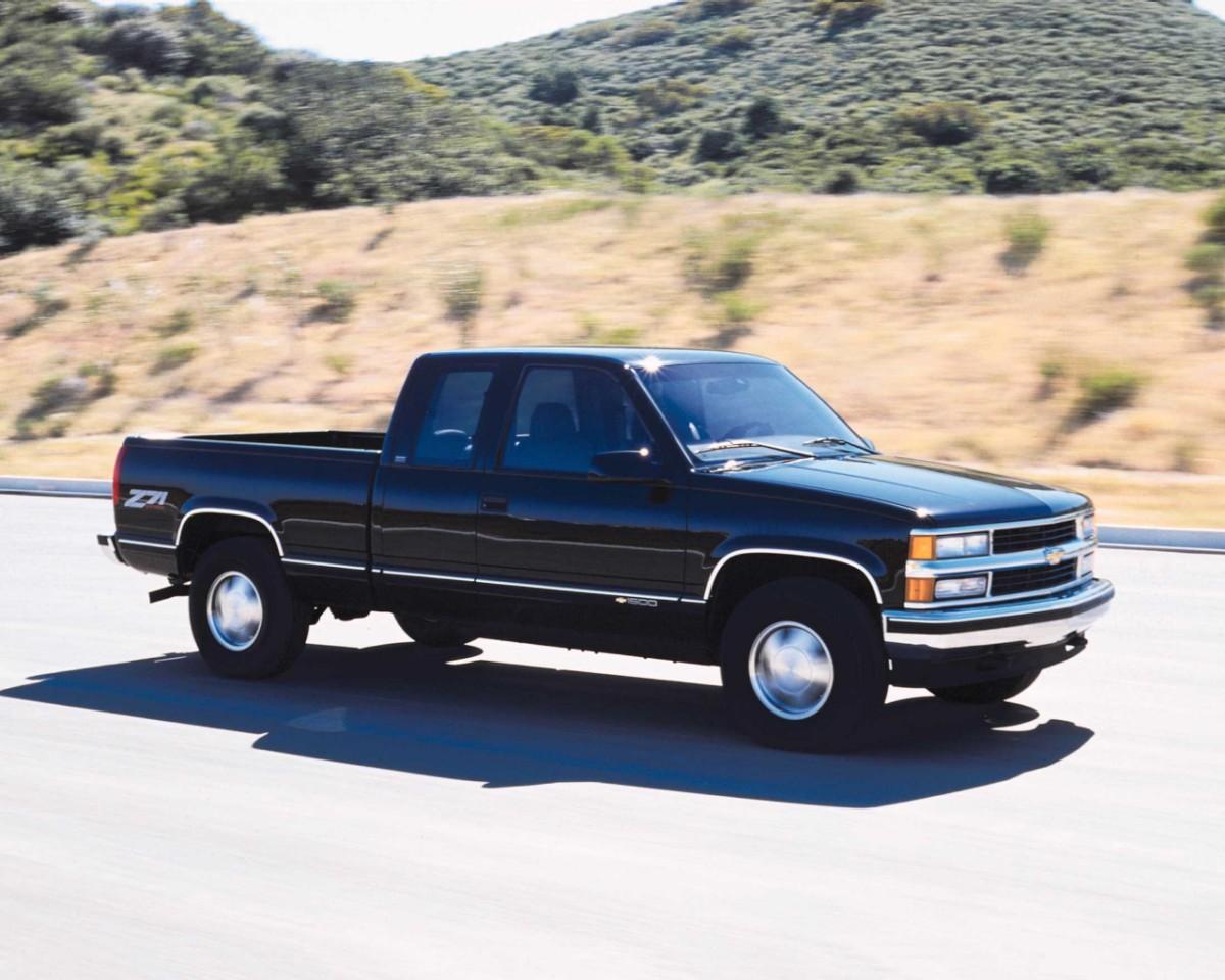 1999 Chevrolet Silverado 1500 makes Best Used Trucks for under $10,000 list