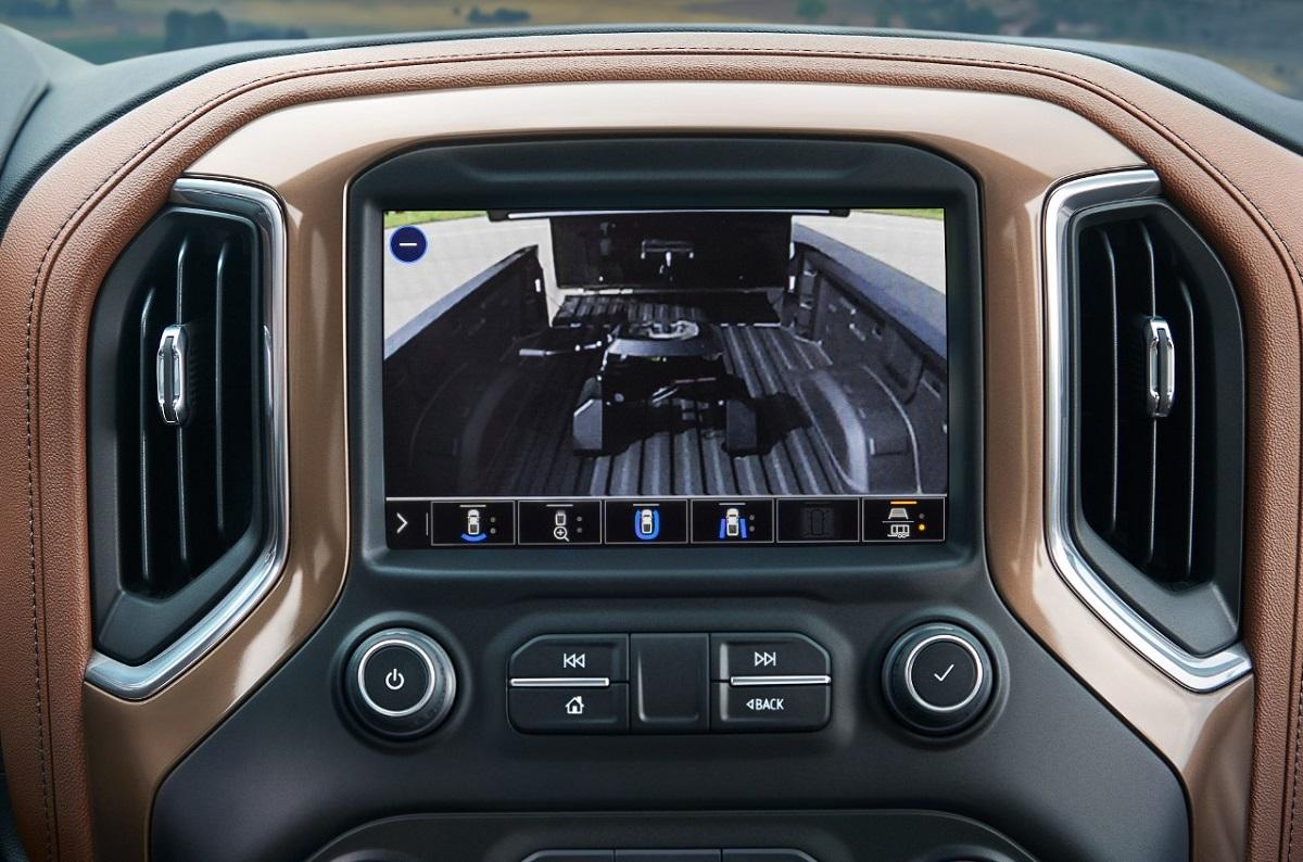 2021 Chevrolet Silverado towing
