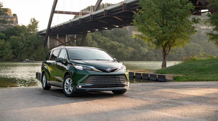 2021 Toyota Sienna is the 2021 Family Green Car of the Year